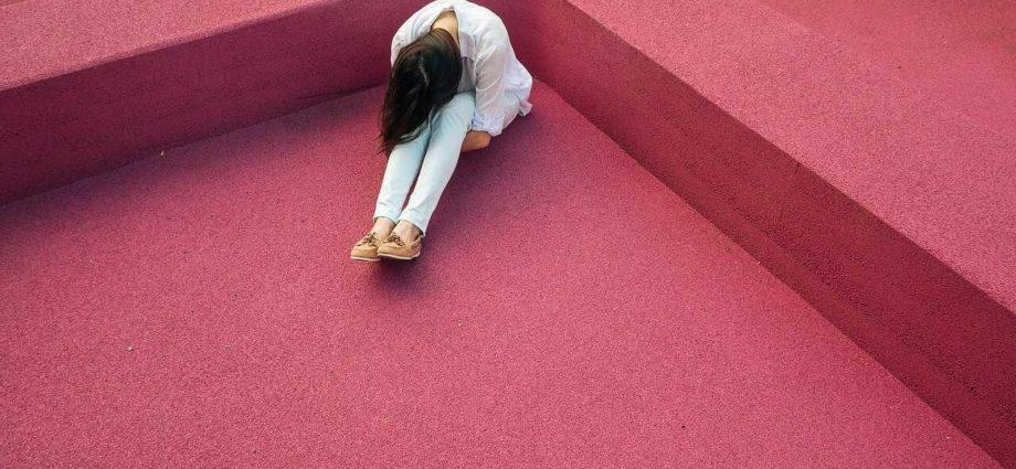 ból-psychiczny-fizyczny-czy-psychogenny-cierpienie-emocjonalne